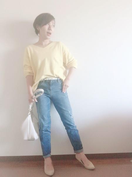 小柄コーディネート 30代女性 黄色いトップス