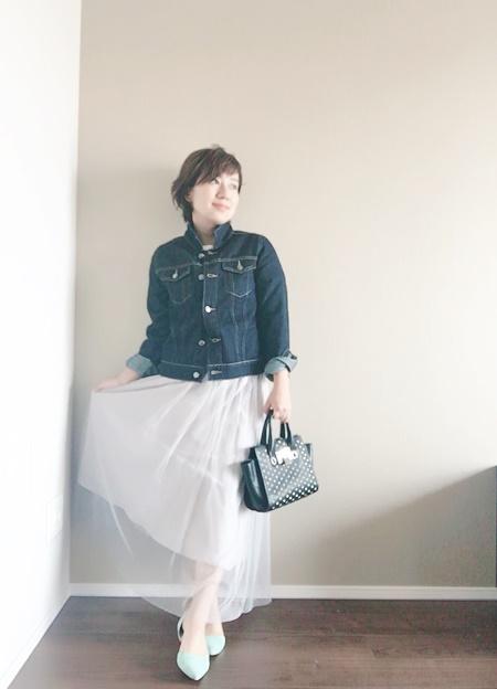 ロングスカートに合うデニムジャケット