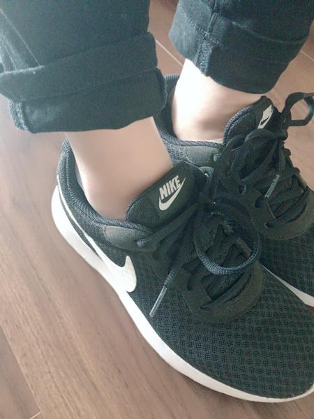 スニーカーから見えない靴下